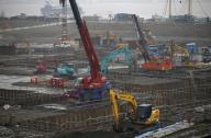 政府、建設業への外国人労働者活用で緊急措置を決定