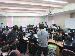 未来の日本IT産業を担う学生を育てる-日本マイクロソフト社員による女子中高生向けプログラミング講座-夕刊アメーバニュース