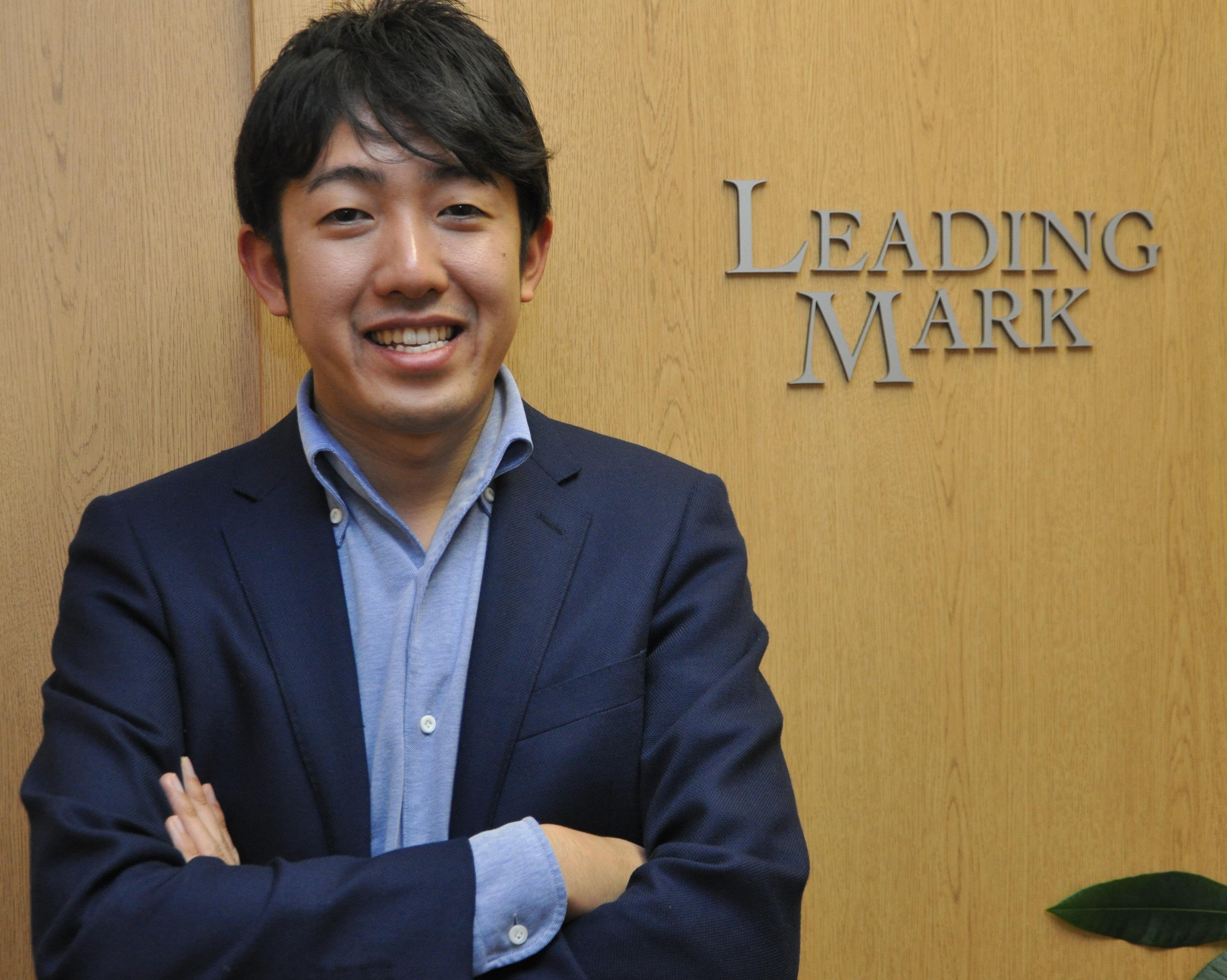 人材ビジネスモデルの変革に挑戦  就活生マークのリーディングマーク