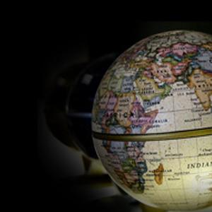 年収5000万を手にするか、200万円に甘んじるか変化の激しい世界では、グローバル人材にチャンスが訪れる