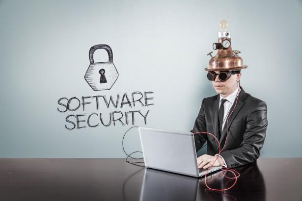 サイバー・セキュリティに100万件の求人 平均年収は1000万円超