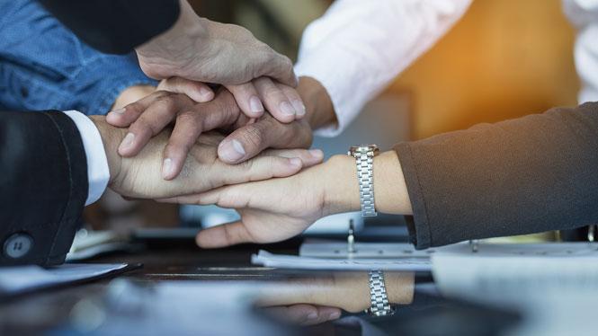 採用活動には社内協力を得ることが大切。社員全員を巻き込む方法を徹底解説|中途採用成功マニュアル