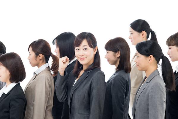 女性管理職割合が高い業界は不動産業と小売業 低いのは○○業