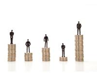 平均年収トップは? 残業が多いのは? 経産省、IT人材の給与を調査