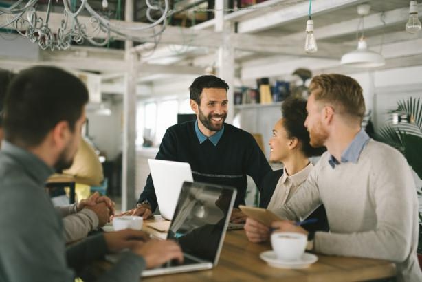 正規雇用は消滅する? シェアリングエコノミーが変える「未来の働き方」