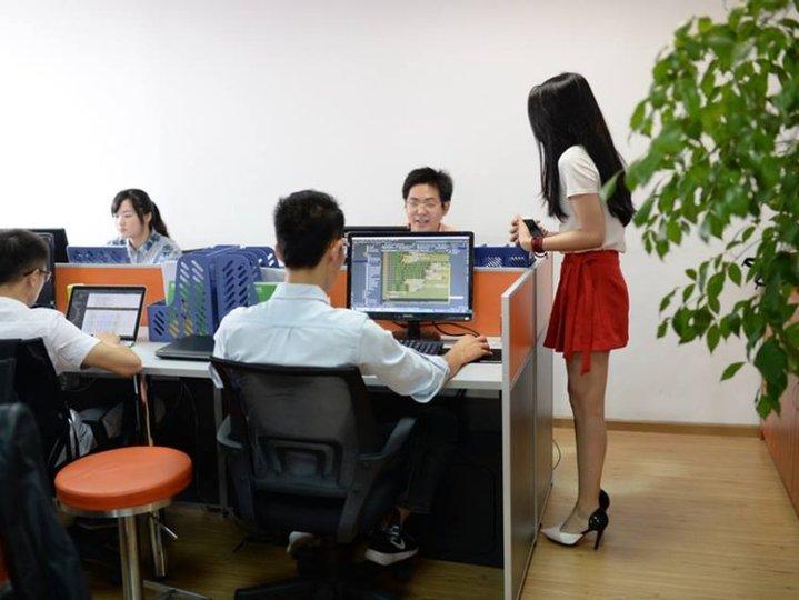 プログラミング・モチベーター —— 身長158センチ以上の女性を採用する中国企業の意図とは?