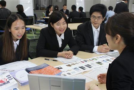 世界展開担い手に、留学生注目の的 来春採用の就職市場、語学堪能・高い意欲で熱視線