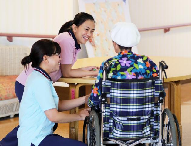 介護人材、ベトナムから1万人 政府が数値目標 20年夏まで