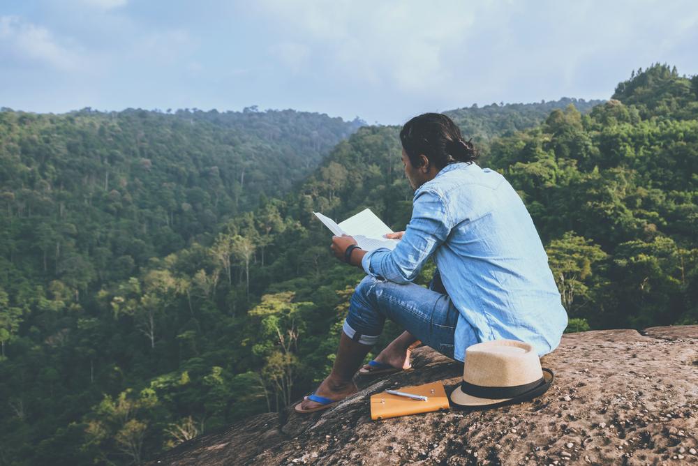 """この夏はビジネス本が豊作だ —— """"決算が読めるノート""""筆者が選ぶ最強本6冊を一挙公開"""