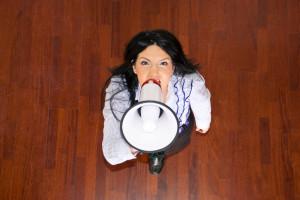沈黙すべきか、言うべきか 職場で声を上げるべき時と方法