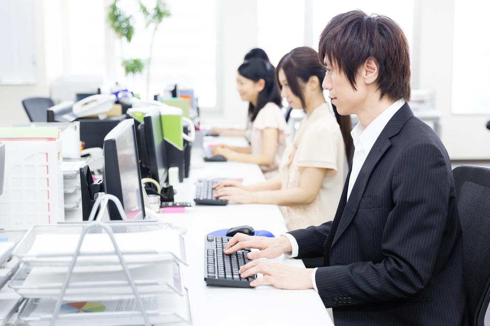 本業のストレス解消、副業で月70万、転職のお試し…会社に内緒で副業する人たちの本音