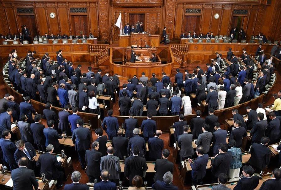 外国人就労拡大案、衆院を通過