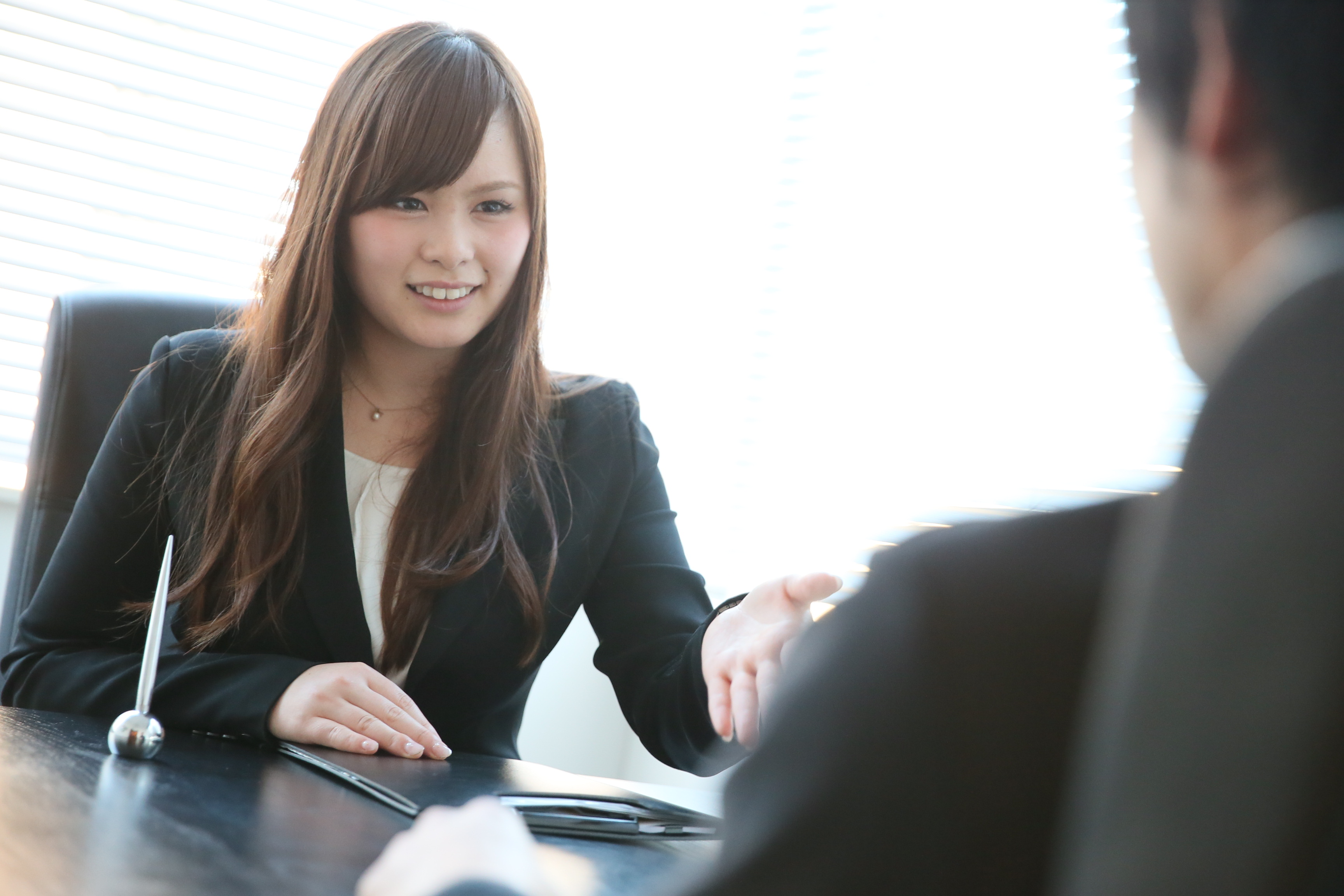 留学支援の株式会社留学情報館と株式会社ワークポートが業務提携。英語とITを海外で学んだ「帰国留学生のキャリア支援サービス」を開始。