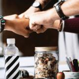 プレイライフ株式会社、金融業界向けに人間関係構築支援サービス『バヅクリ』パッケージ化